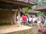 Visiting tradisional Balinese house during cycling tour